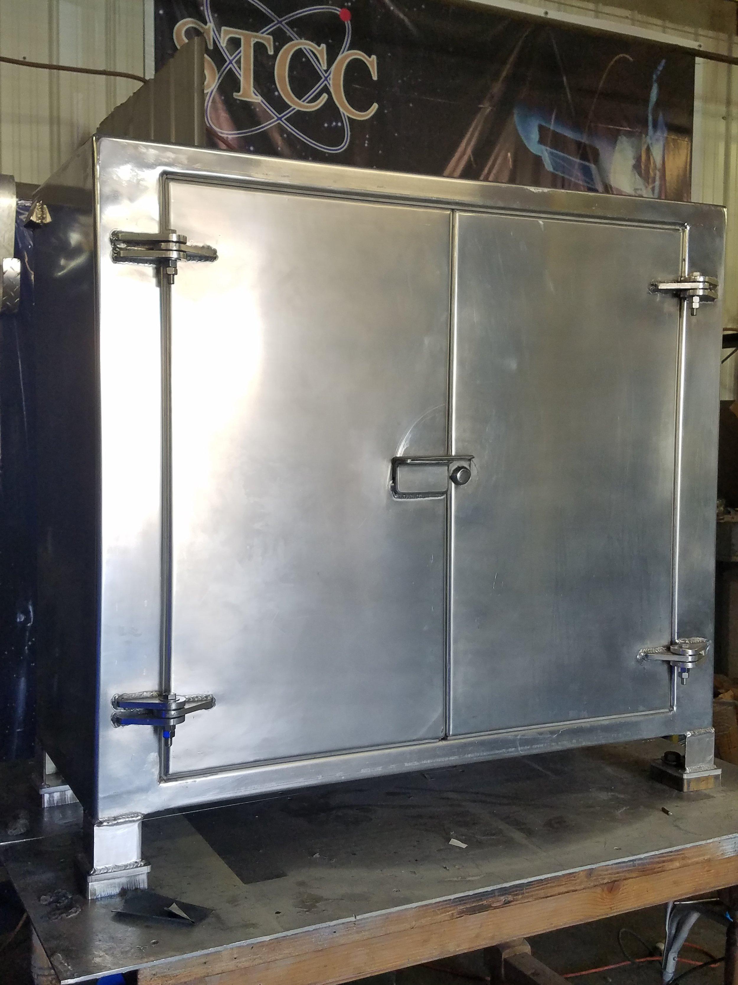 aluminum paint box 1.jpg