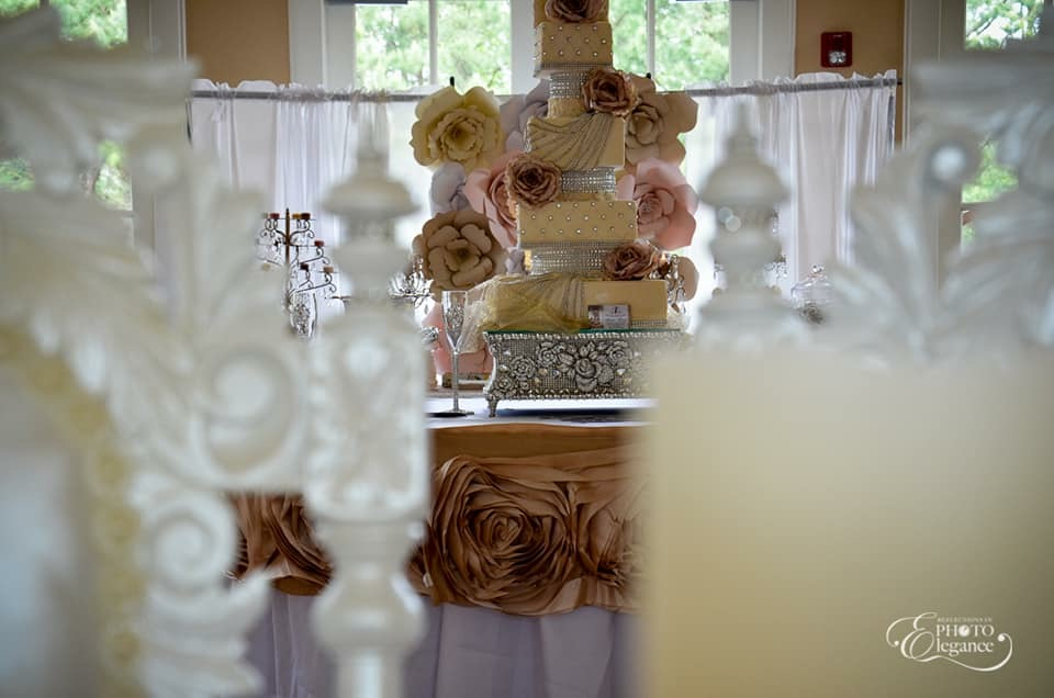 pic of rose stand and table E and E event.jpg