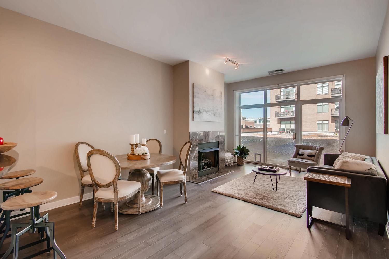 600 W Drummond 314 Chicago IL-large-005-6-Living Room-1500x1000-72dpi.jpg