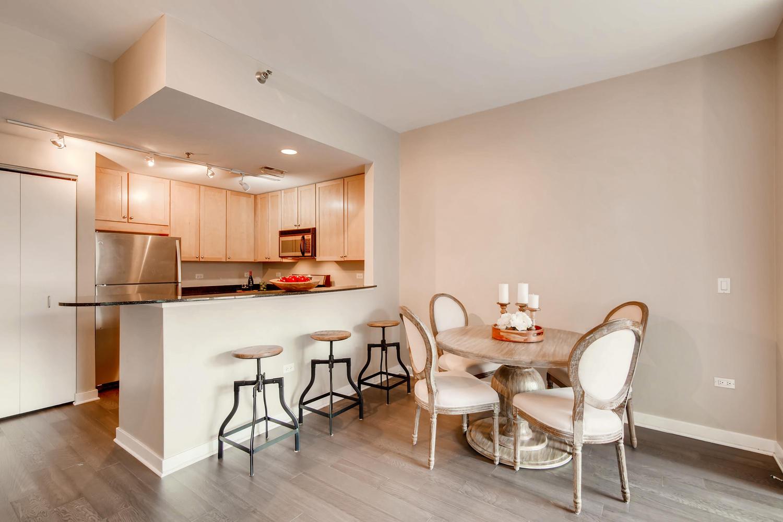 600 W Drummond 314 Chicago IL-large-007-3-Dining Room-1500x1000-72dpi.jpg