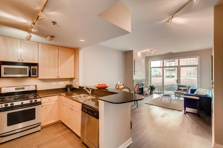 600 W Drummond 314 Chicago IL-large-009-16-Kitchen-1500x1000-72dpi.jpg