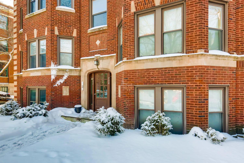 702 Reba Place 202 Evanston IL-large-001-12-Exterior Front-1500x1000-72dpi.jpg