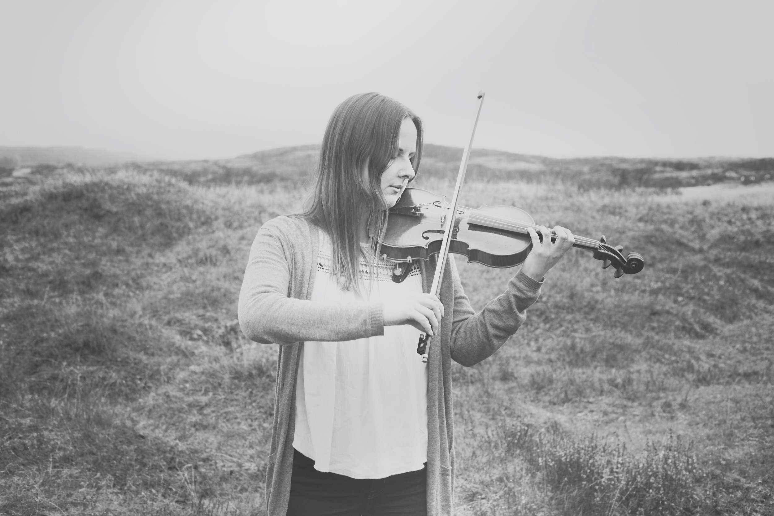 Isa Halme (Finland) - ISA studied violin at the Sibelius Academy in Finland. After graduating she's been working as an orchestra musician and is an active member of two chamber music groups that focus on improvising. Besides exploring new musical dimensions through improvisation she loves running, spending time in nature and slow mornings with an extra cup of coffee.