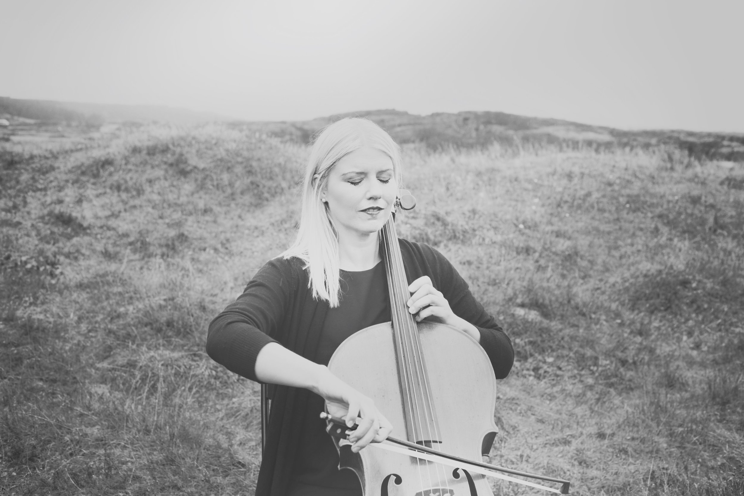 Catherine Maria (Iceland) - CATHERINE MARIA studied cello at the Academy of the Arts in Iceland and Bern University of the Arts, Switzerland. She also did an NAIP International Master of Music, specializing in innovative practice and how to reach new audiences with her music. She loves collaborating with different musicians and experimenting with new ideas in leading diverse artistic projects. She loves great chocolate, good conversations, and fun trips in beautiful nature!