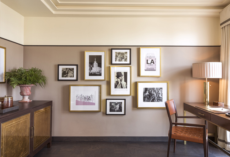 deluxe king suite art wall and desk