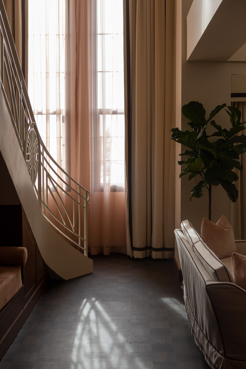 sunset-tower-hotel-townhouse-suite-stair-light.jpg