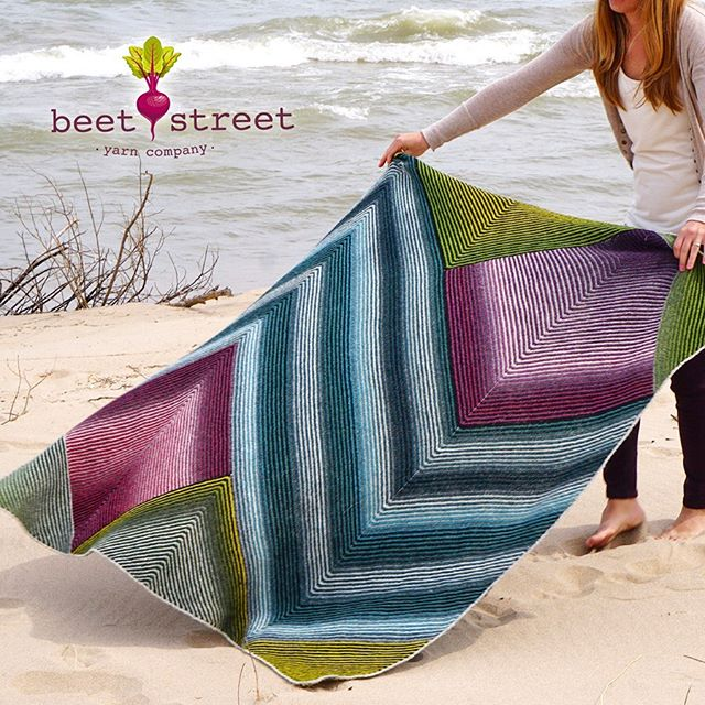 We love this Kinnickinnic Blanket (designed by Emily Burkholder) featuring our Kauni Effektgarn! ❤️🌈🤗 Pattern available on Ravelry (link in bio) and Yarn available at your local yarn shop! www.beetstreetyarn.com #knitstagram #yarnshop #yarn #knitting #nevernotknitting #kauni #blanket