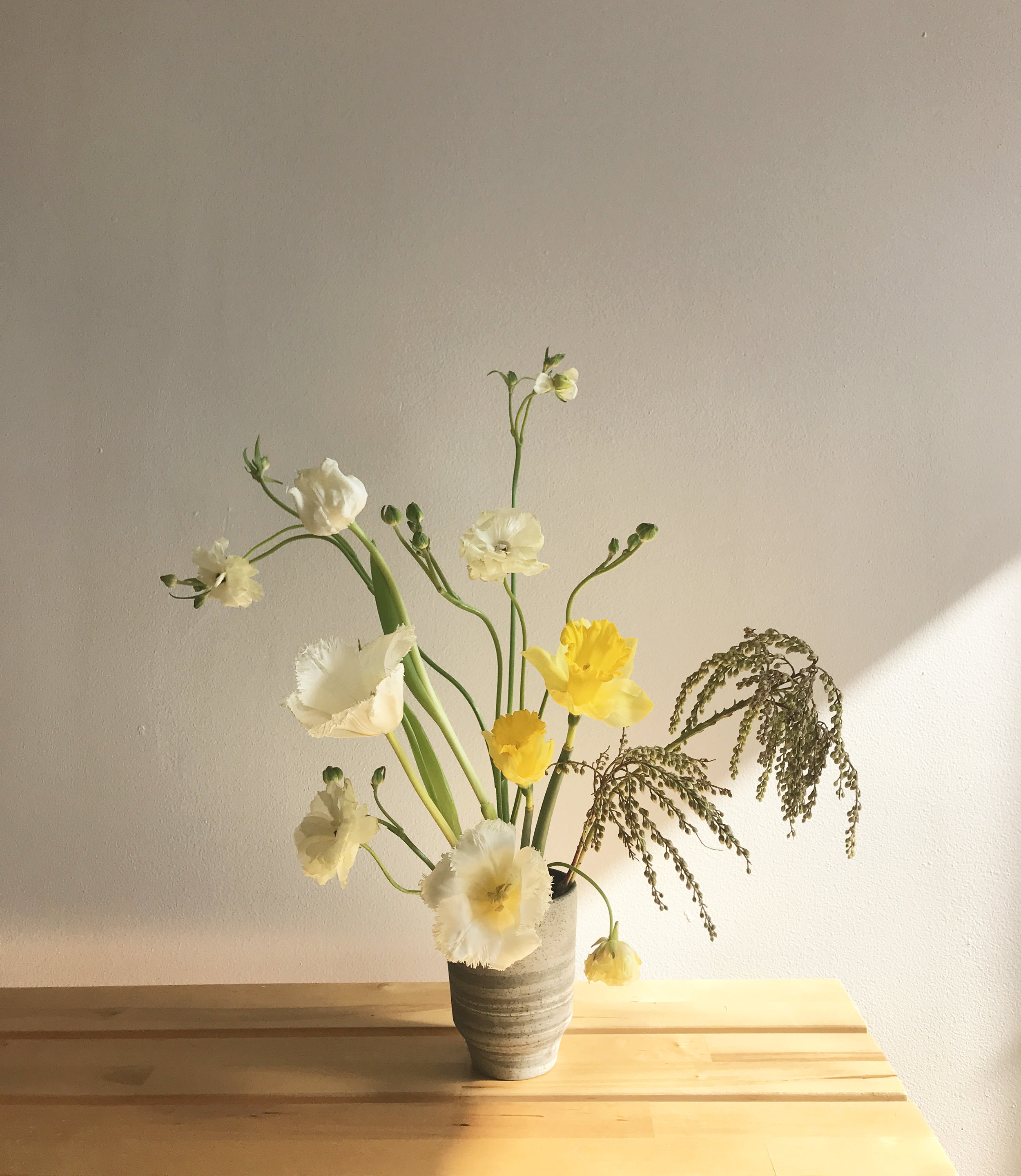 yellow_ikebana.jpg