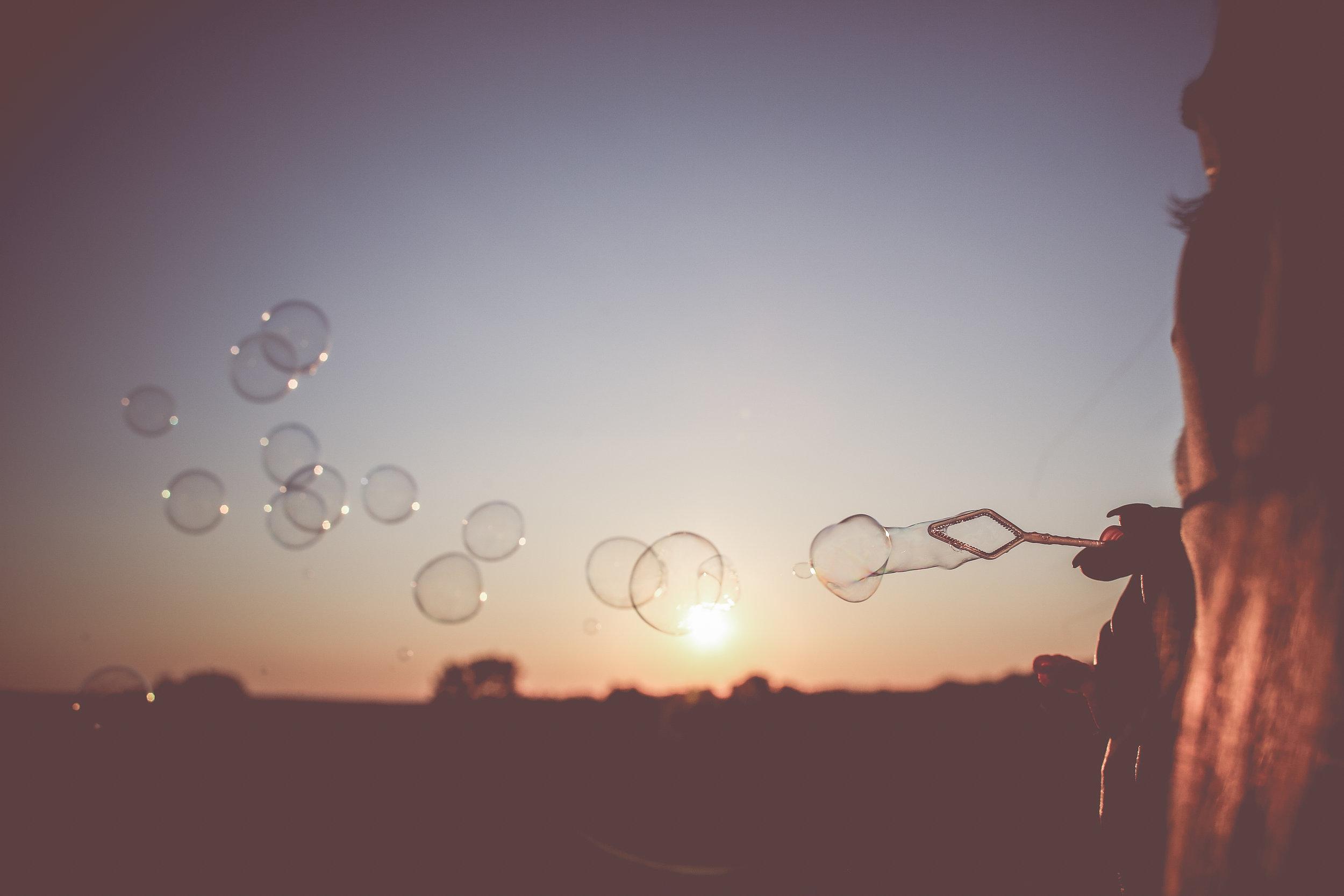 sunset-bubbles-picjumbo-com.jpg