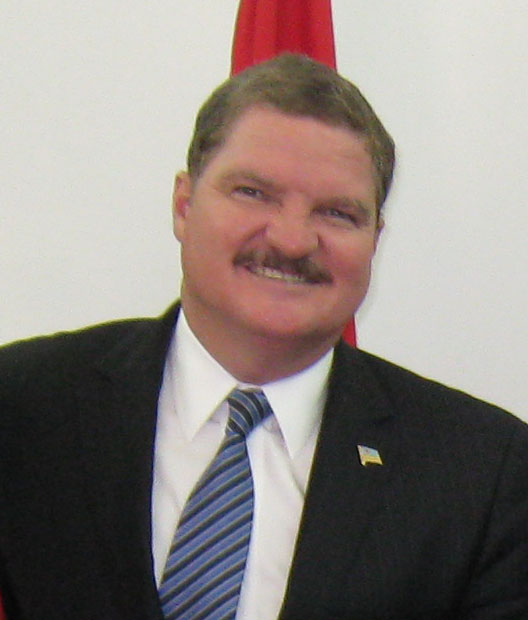 the Prime Minister of Aruba Mike Eman