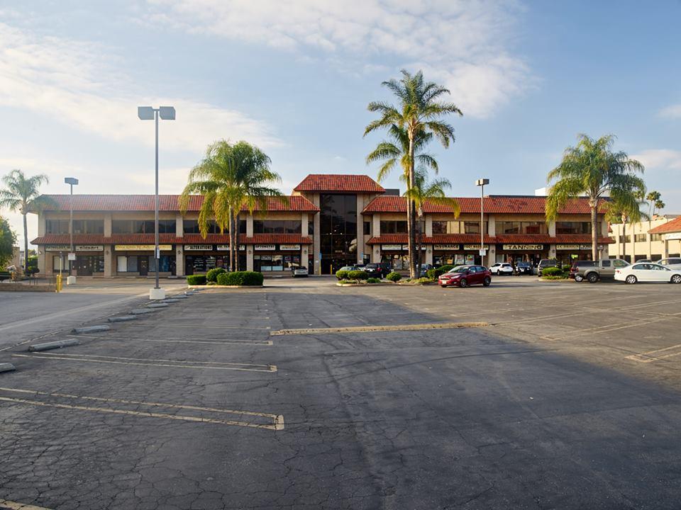 Tarzana Square Shopping Center