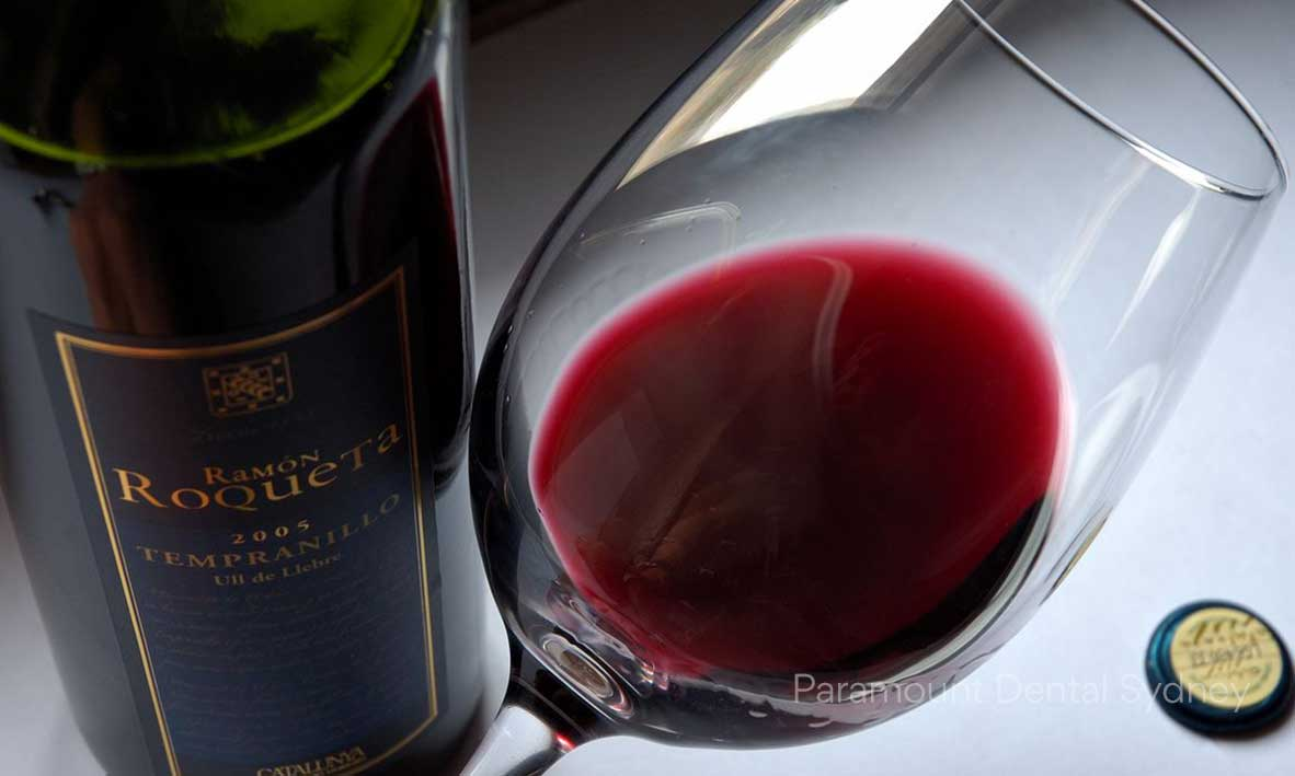 © Paramount Dental Sydney 7 Guilt Free Foods to Enjoy This Christmas 08 Red Wine.jpg