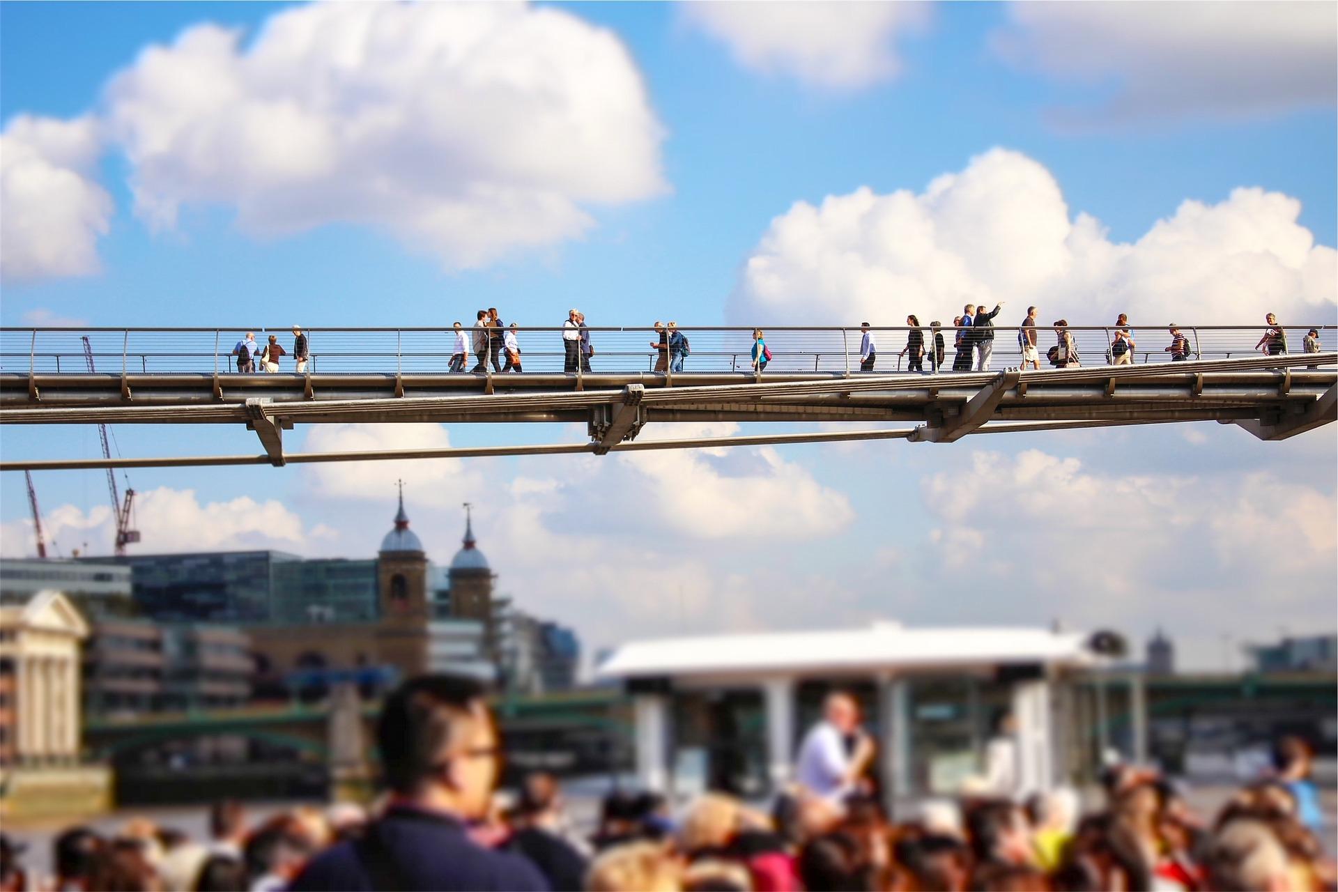bridge crowd.jpg