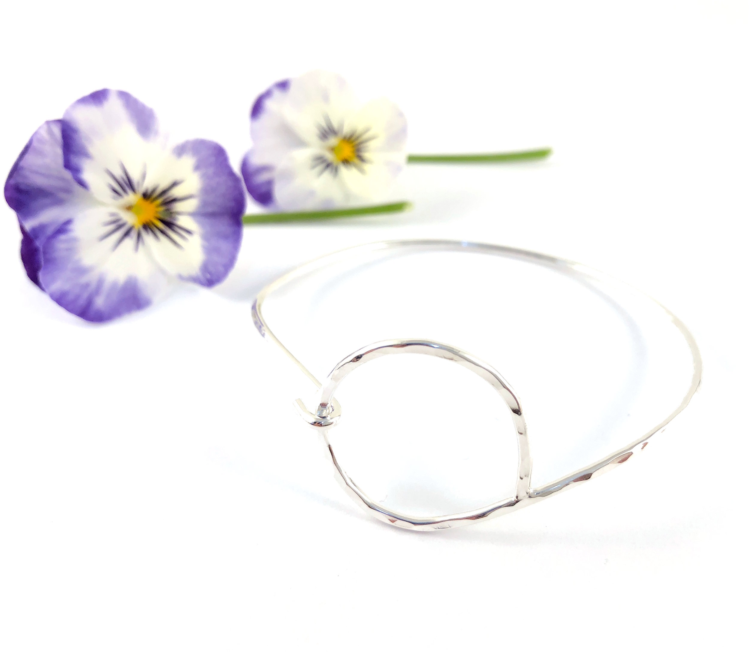 circle divine bracelet with pansy 2 .JPG