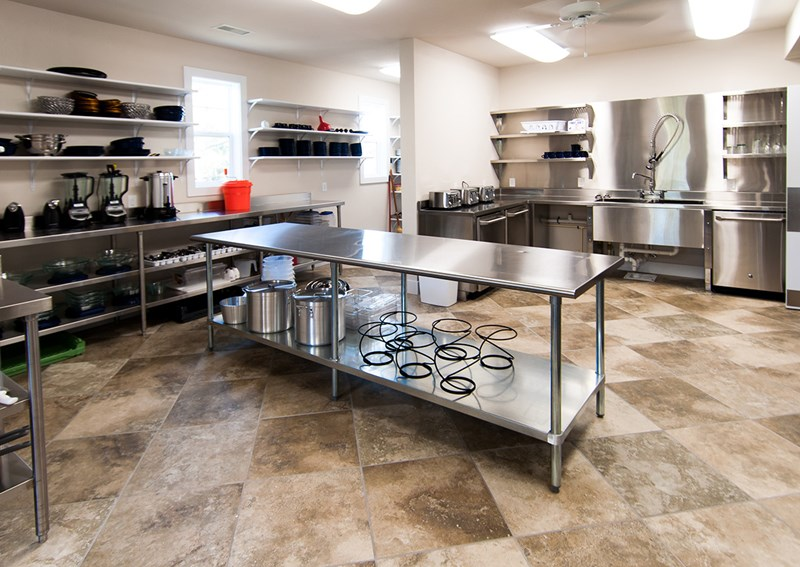 Level 2 Commercial-Style Kitchen