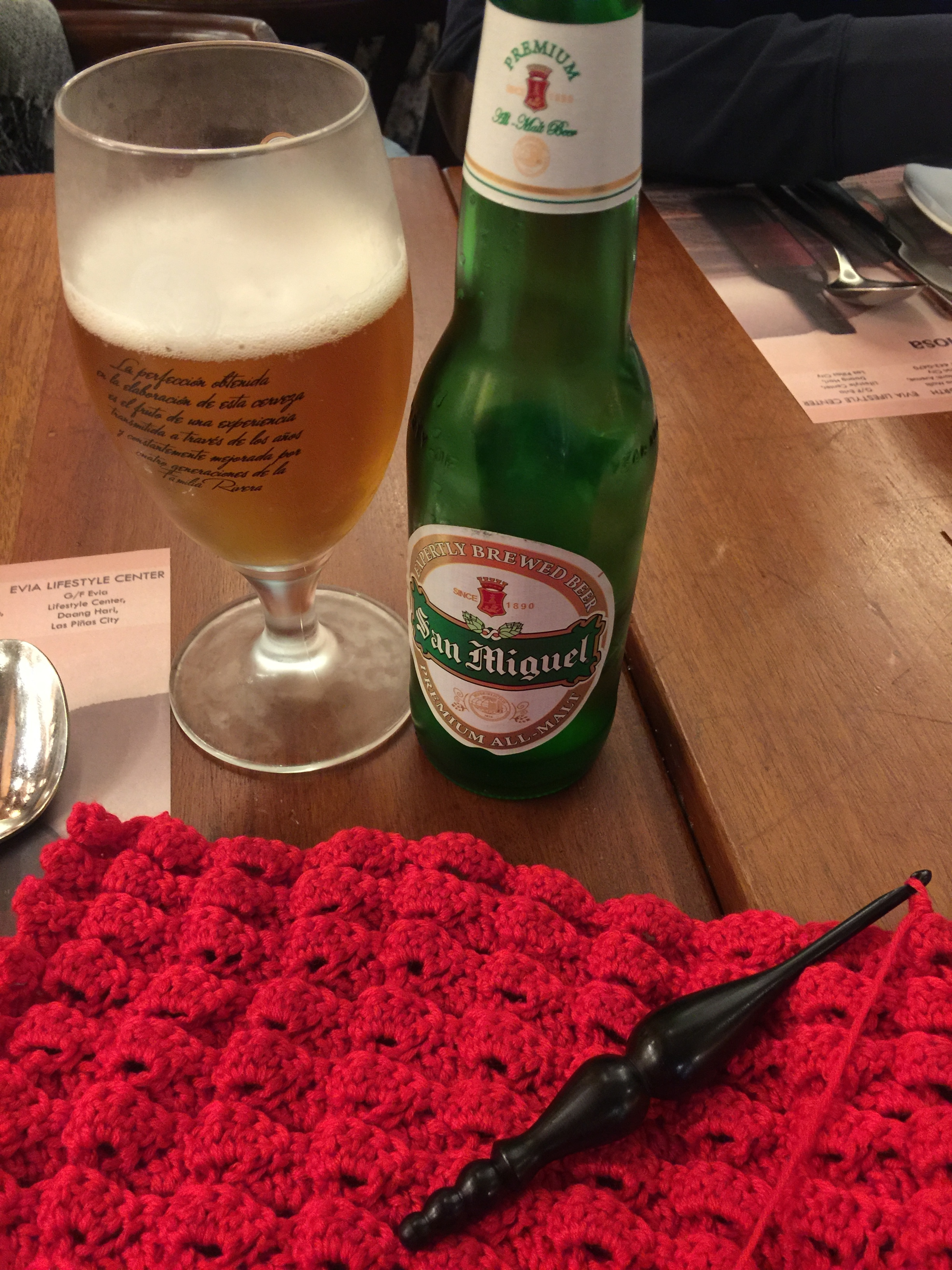 Unwinding after a busy Friday with beer and crochet 🍺