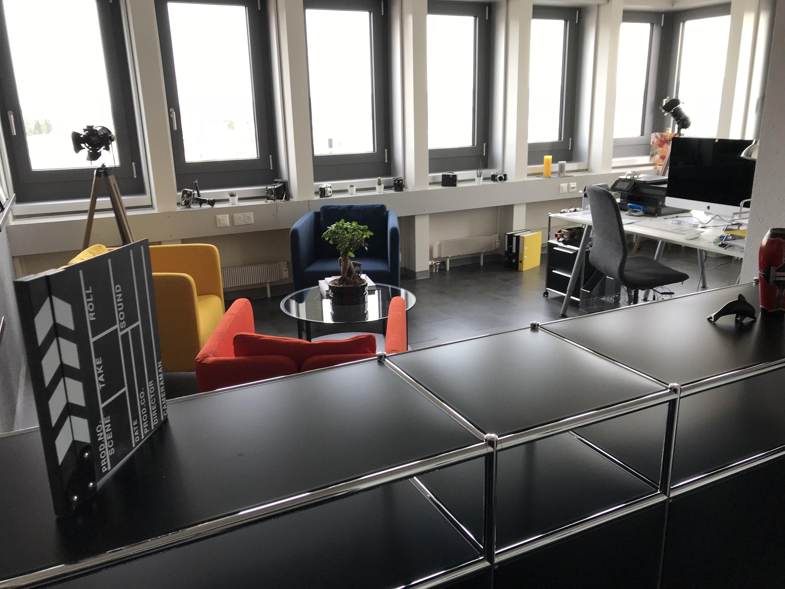 lueg_office2.JPG