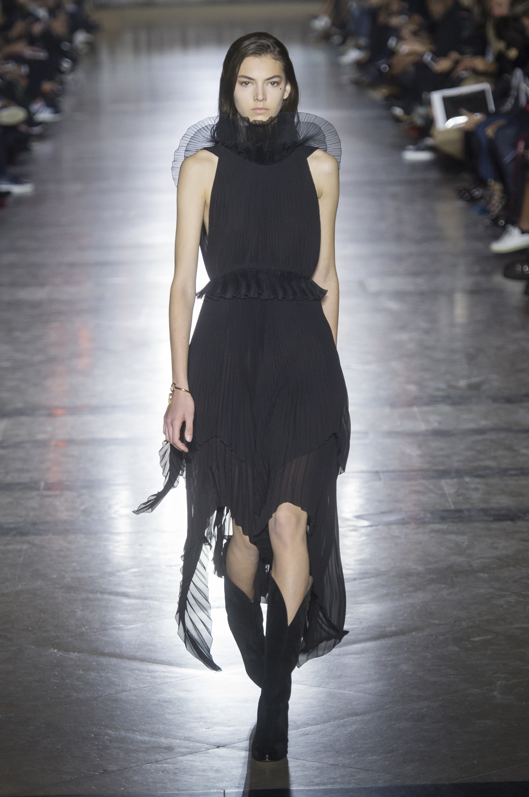 givenchy-rs18-0725.jpg