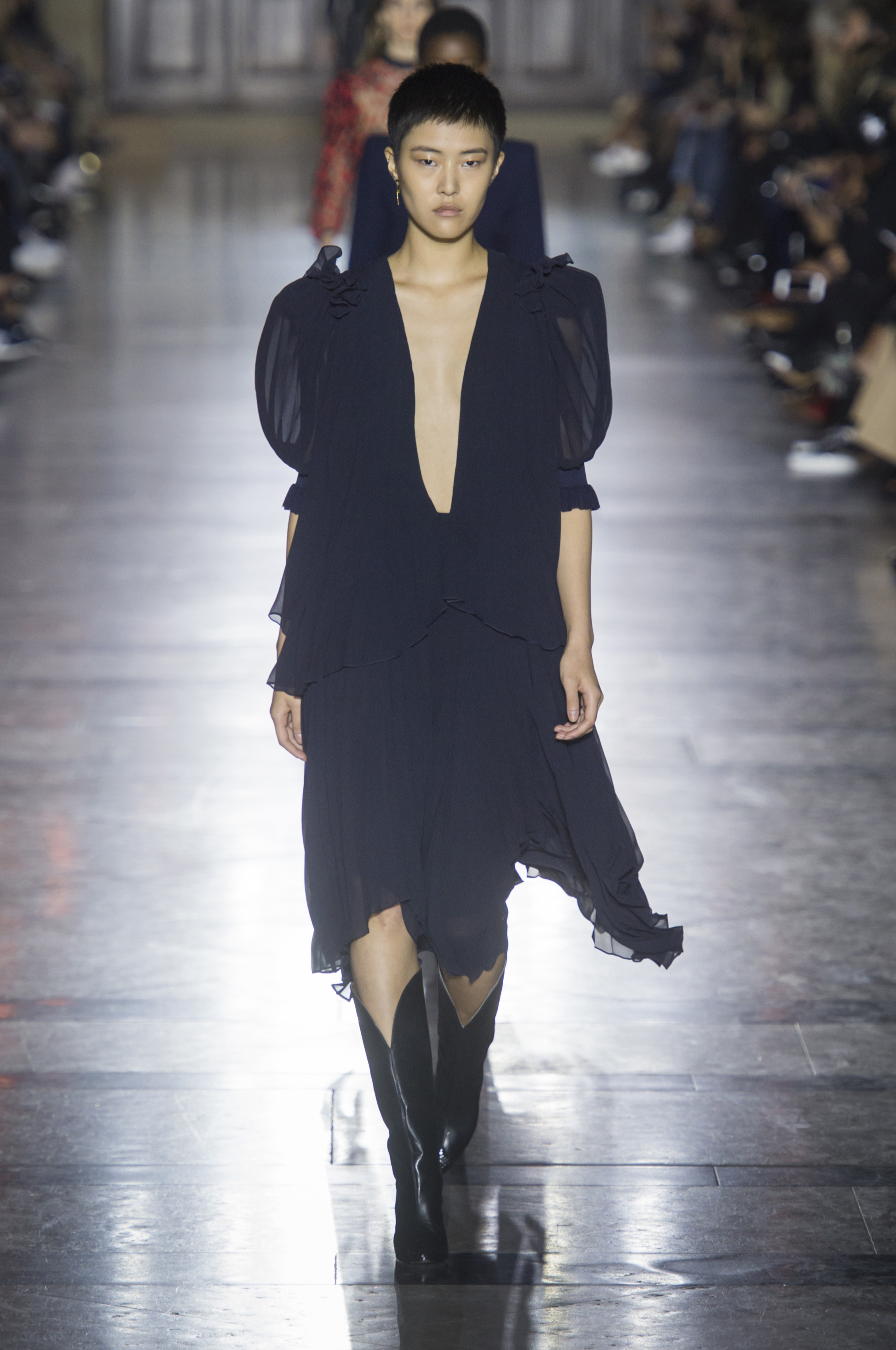 givenchy-rs18-0418.jpg
