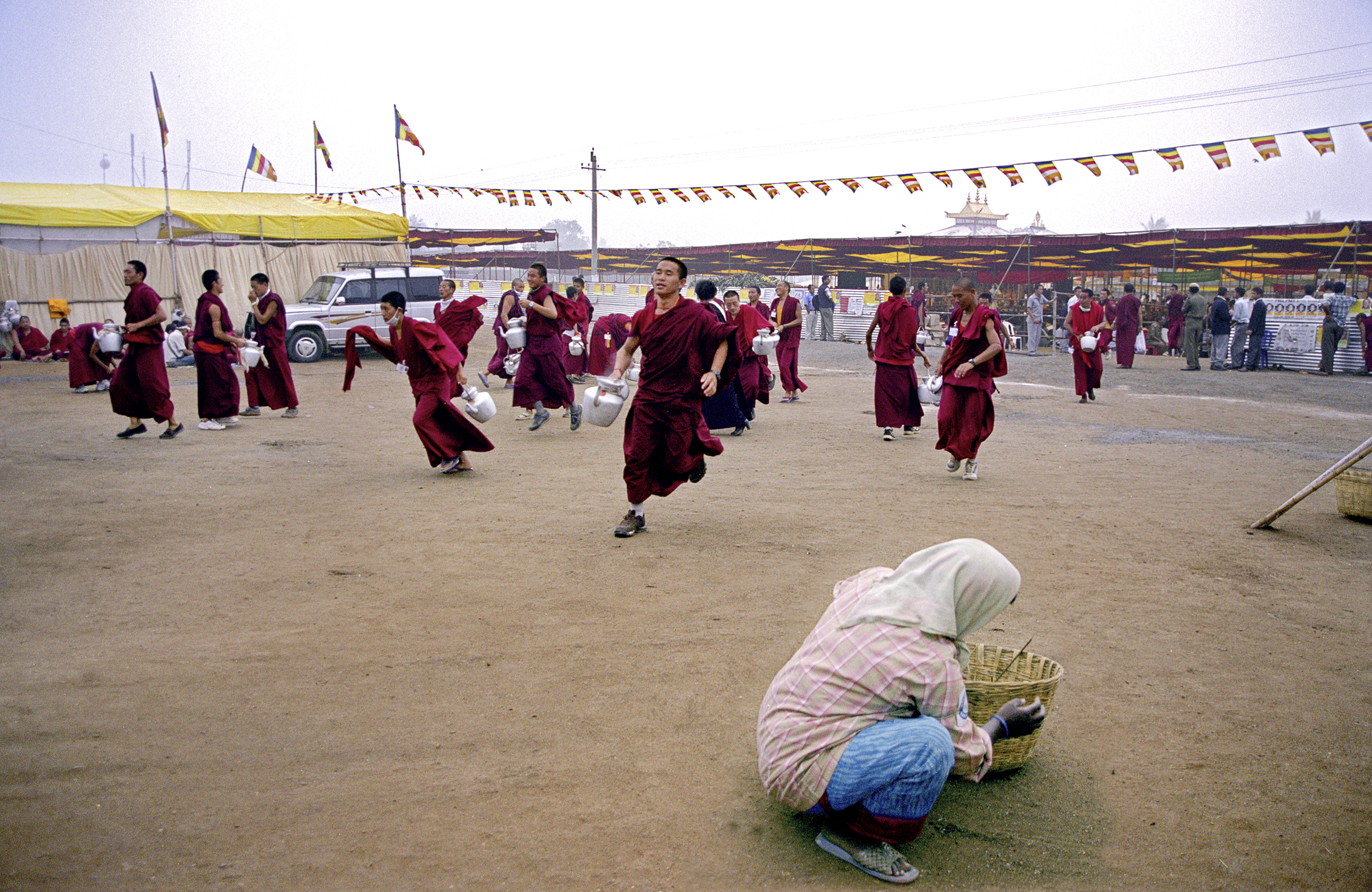 Web_amaravati_running monks .jpg