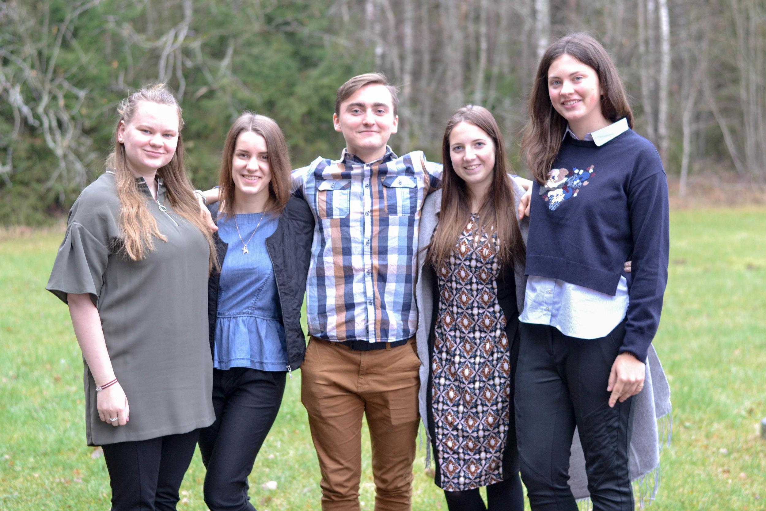 Komandā darbojās: Annija, Letīcija, Eduards, Justīne, Una.