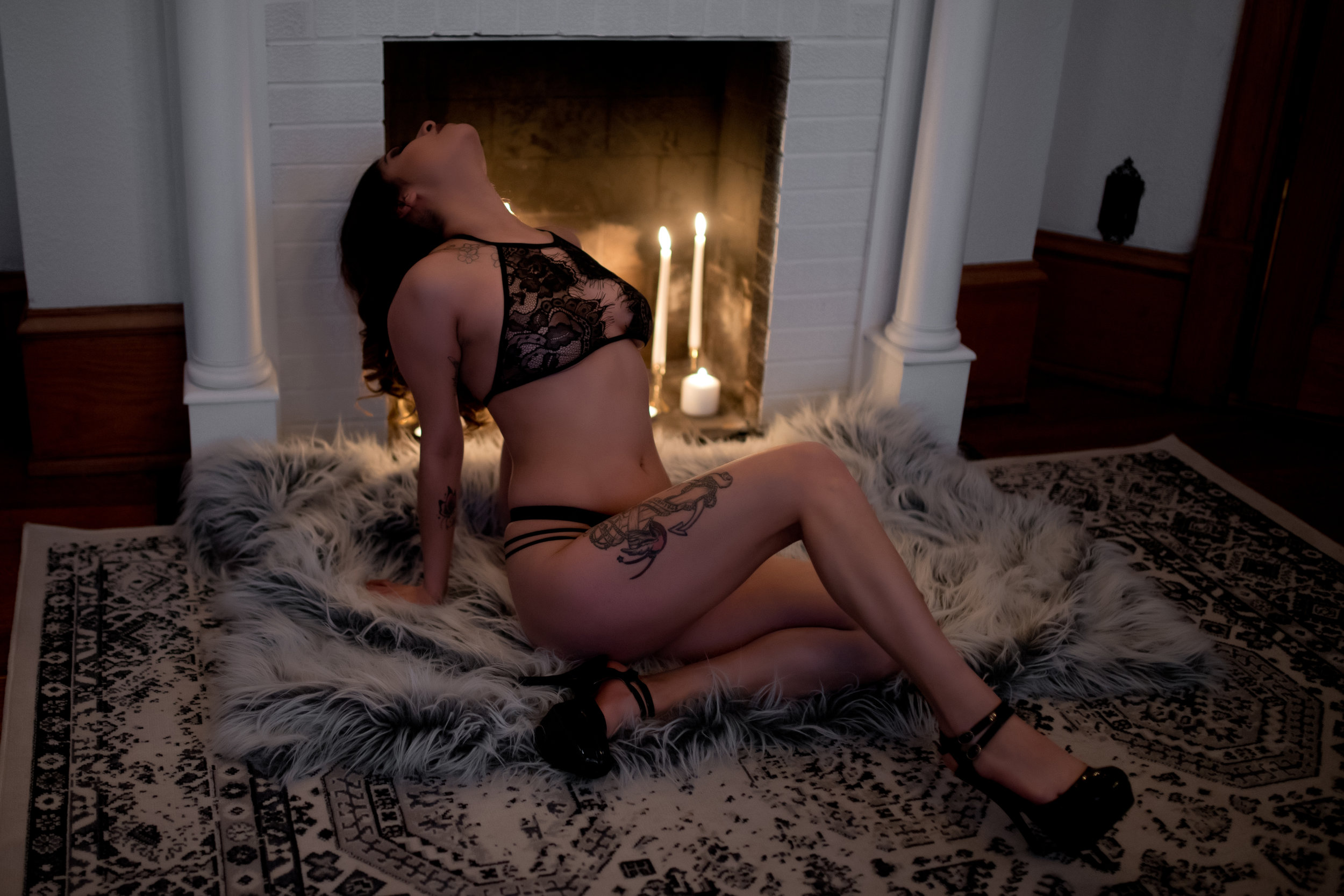 Amy Cloud PhotographyCandle Boudoir 005.jpg