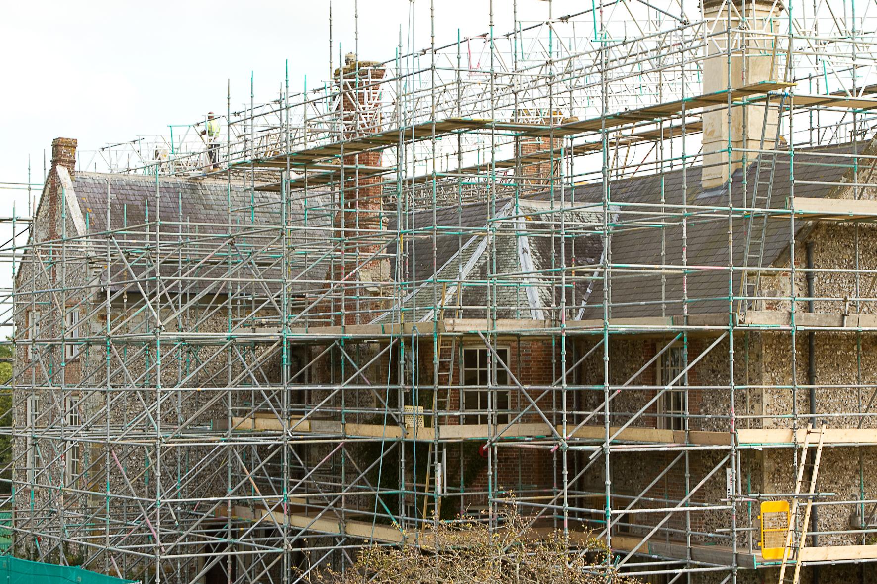 Glynde Place - Phase I - Scaffolding on  north side (Carlotta Luke).jpg