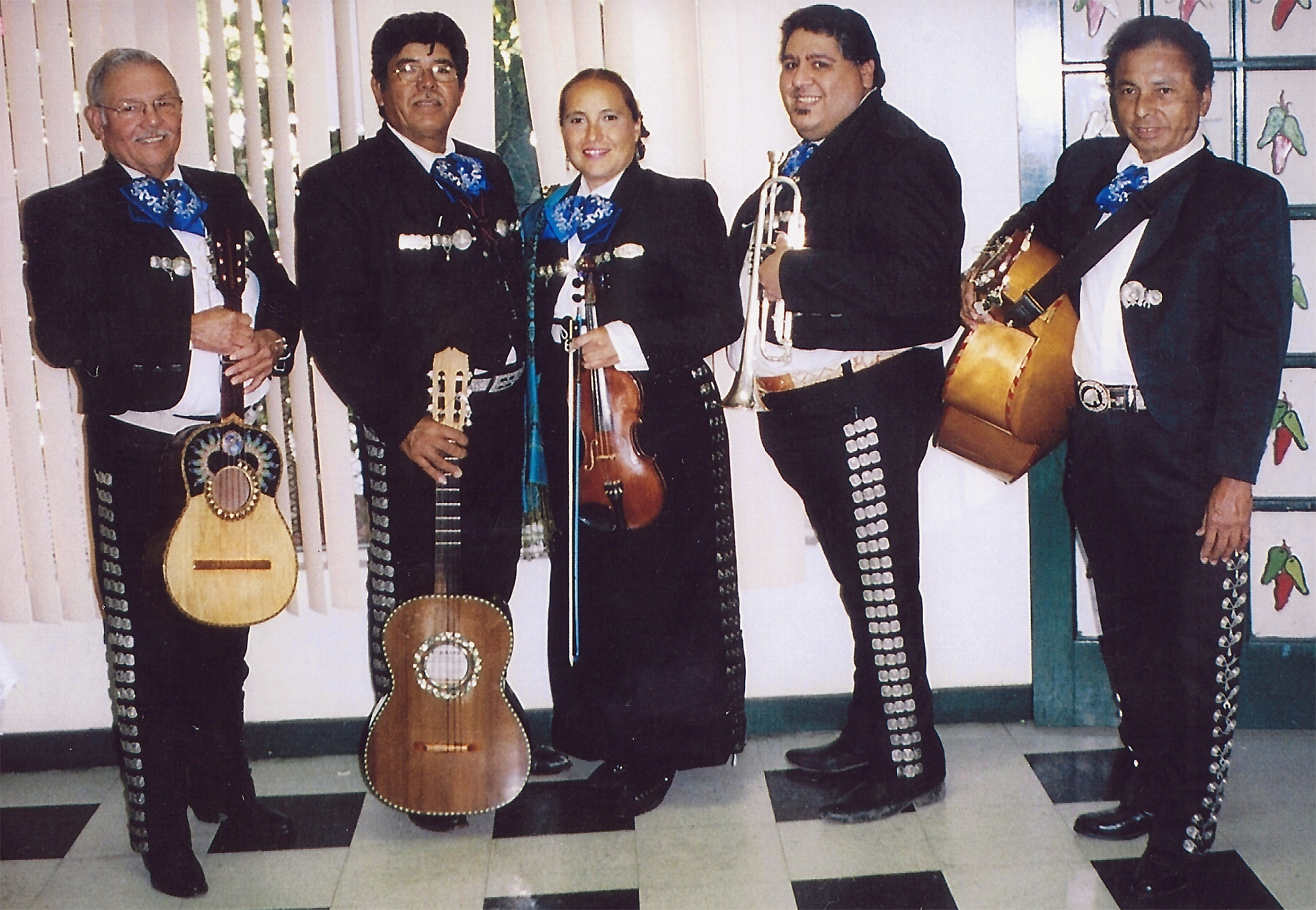 Belen with Ramon and the mariachis