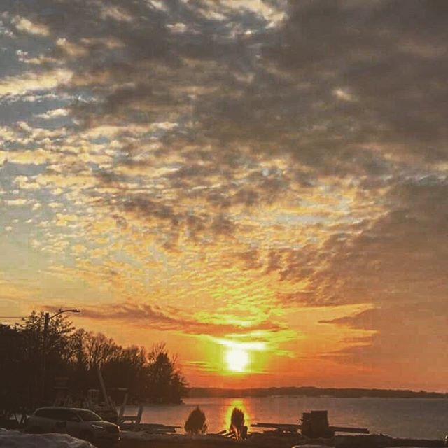 A little glimmer of hope that spring is just around the corner.  #springtimeinwisconsin #hope #burningbush #westisbest #justaroundthebend #faceit #sunsets #boathouselg #nicepicpat