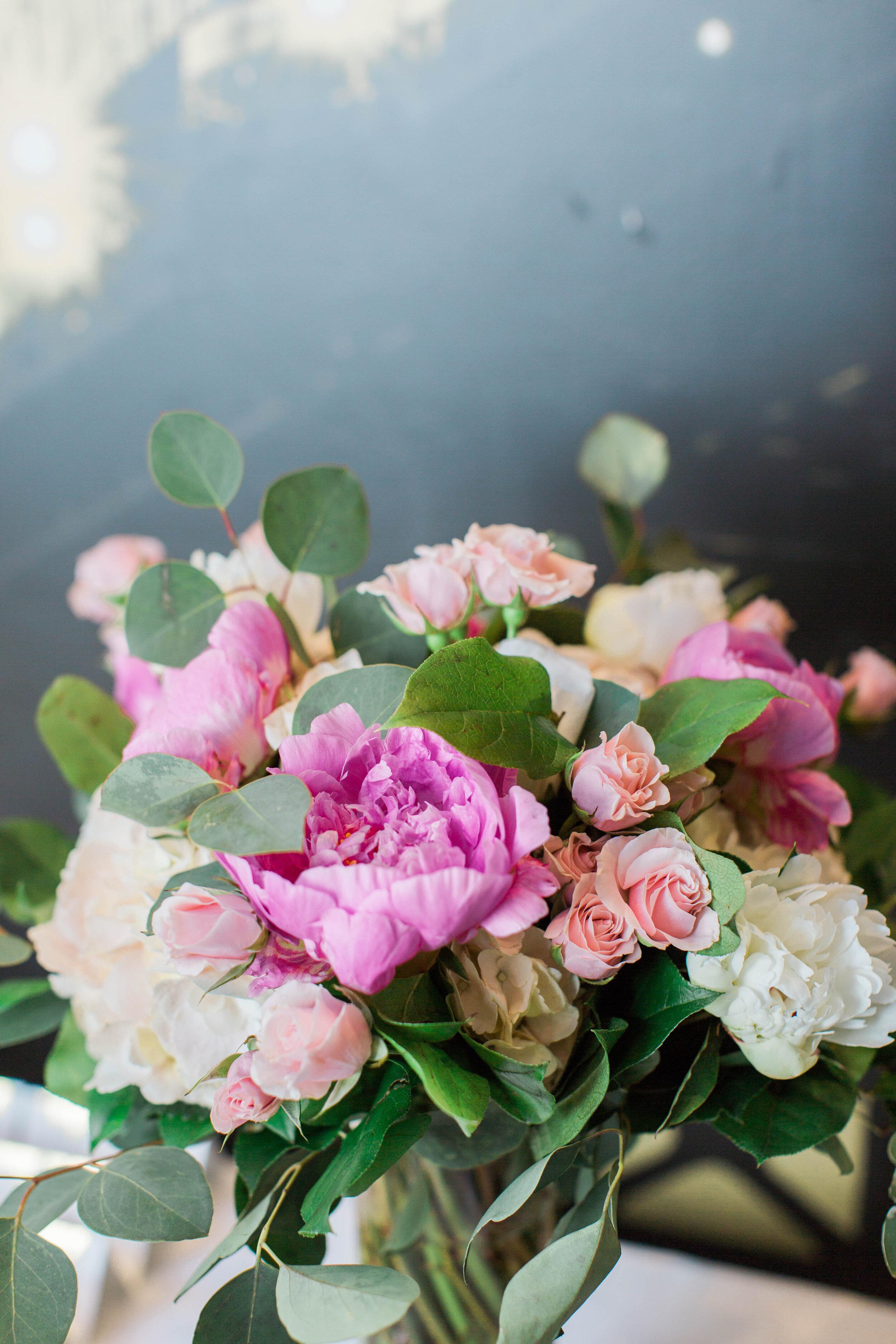 Peony Bouquet - Trendy Modern Brunch Wedding - Historia Wedding and Event Planning