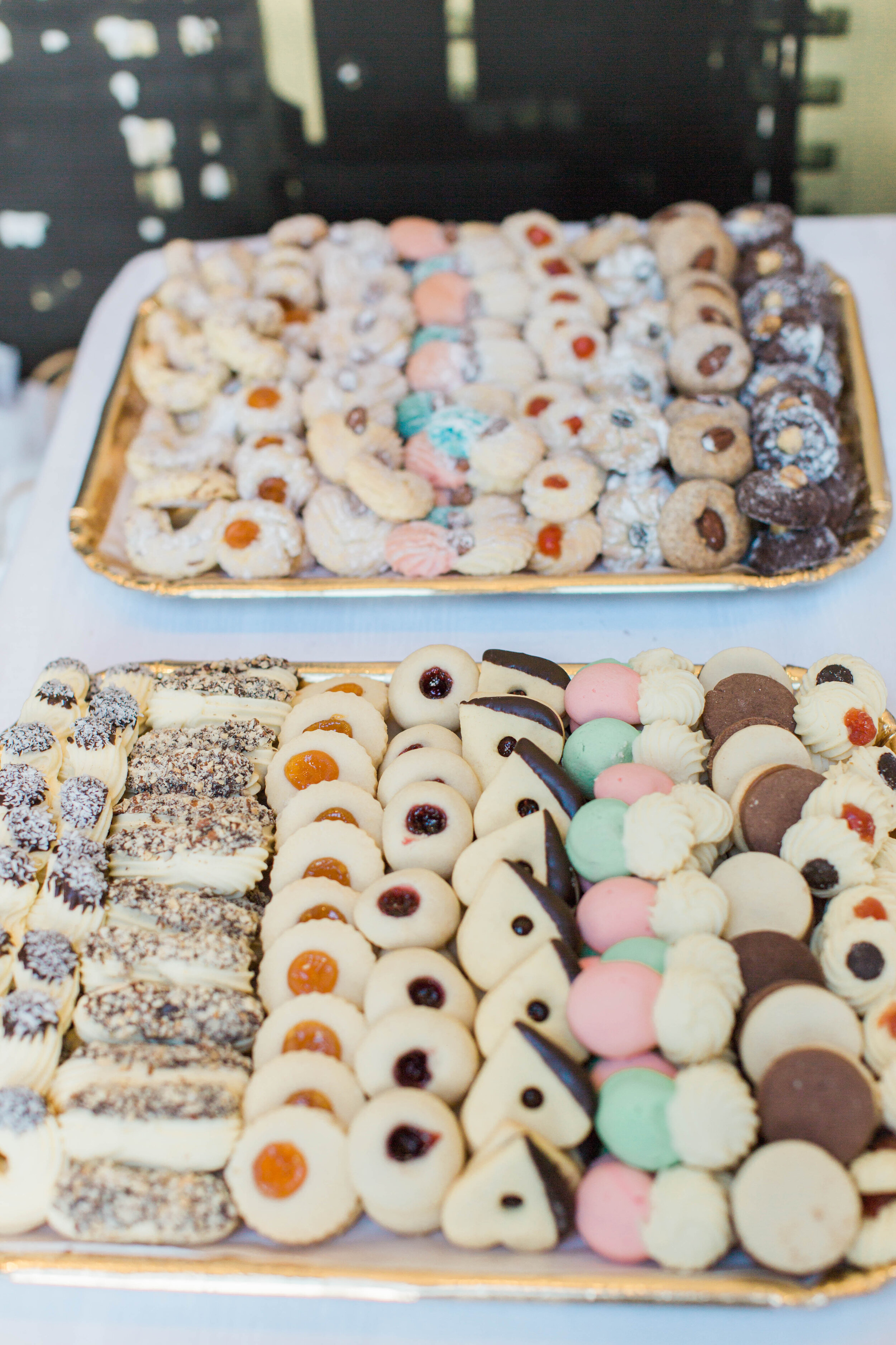 Italian Wedding Cookies - Trendy Modern Brunch Wedding - Historia Wedding and Event Planning