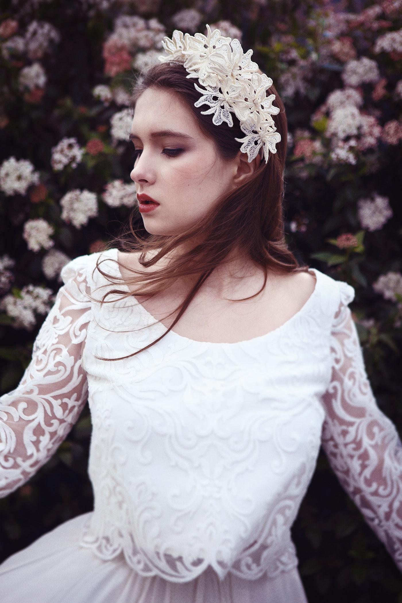 Sur les merveilles des nuitsSur le pain blanc des journéesSur les saisons fiancéesJ'écris ton nom. - LibertéPaul Éluard