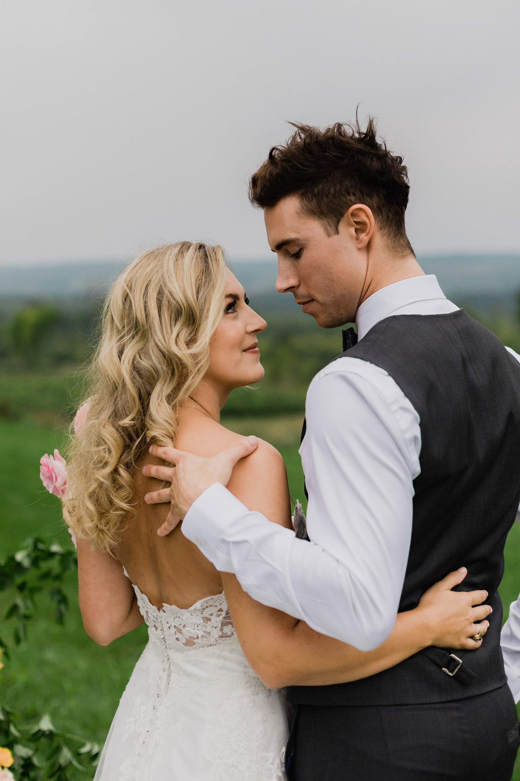 Beautiful bride and groom portrait at Coffin Ridge Boutique Wine