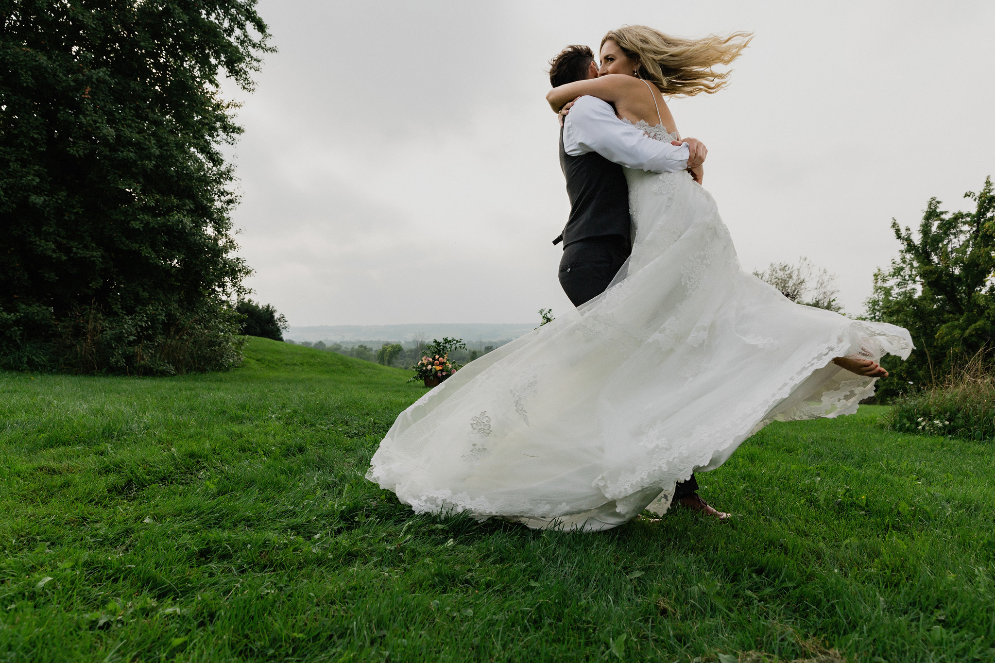Bride and groom spin for joy at Coffin Ridge Boutique Winery