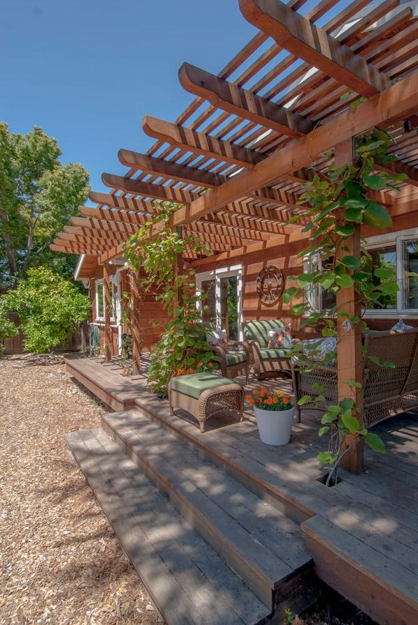 9-heeschen-back-exterior_SantaCruz_Green_Builders.jpg