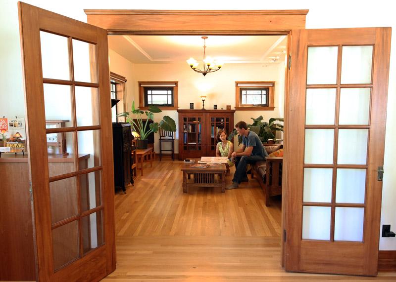 5-Living-Room-Taylor-Chie_SC_Green_Builders.jpg