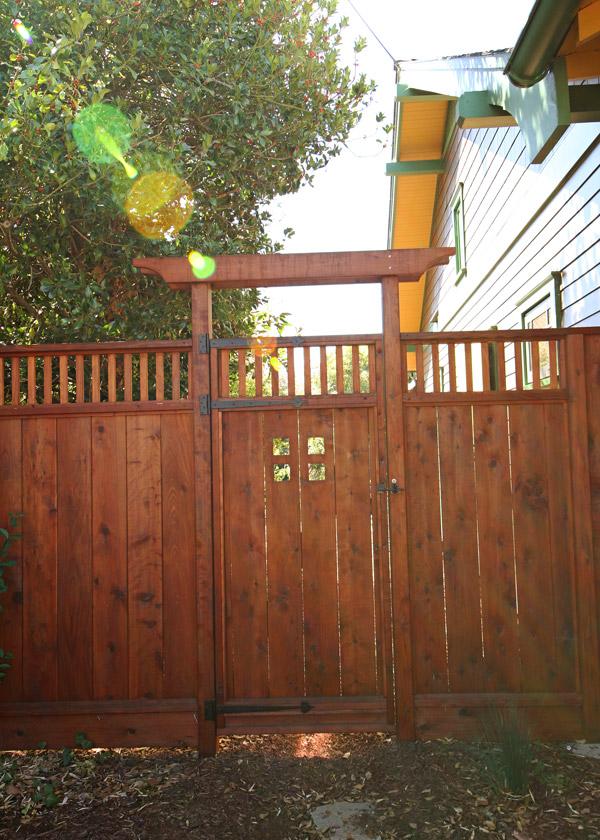 10-Vanness-Gate_SC_Green_Builders.jpg