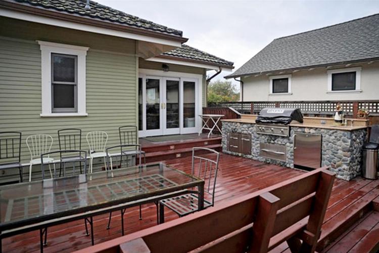 outdoor kitchen 1000px_SC_Green_Builders.jpg