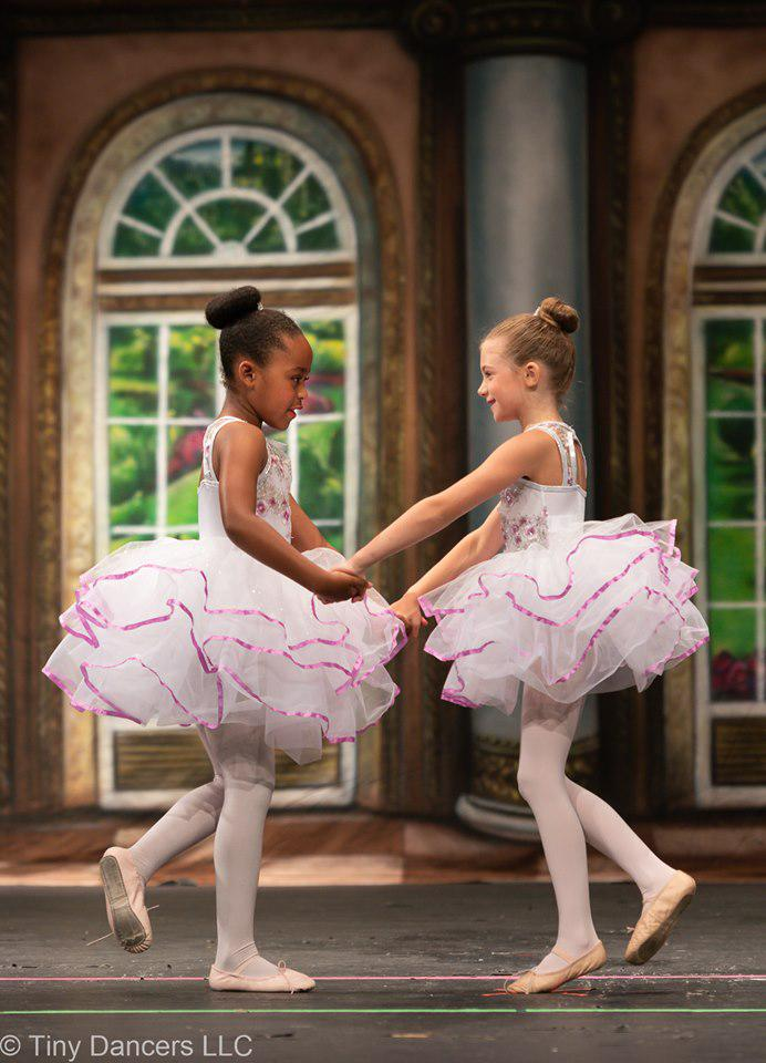 BALLET TIGHTS NEW GOOD QUALITY SIZE LARGE  CHILD WHITE