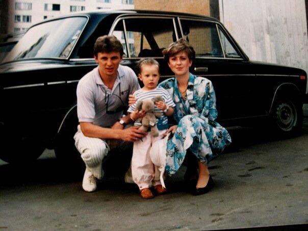 Igor, Elena + Alyonka Larionov   Moscow, Russia   Summer 1989   Photo: n/a
