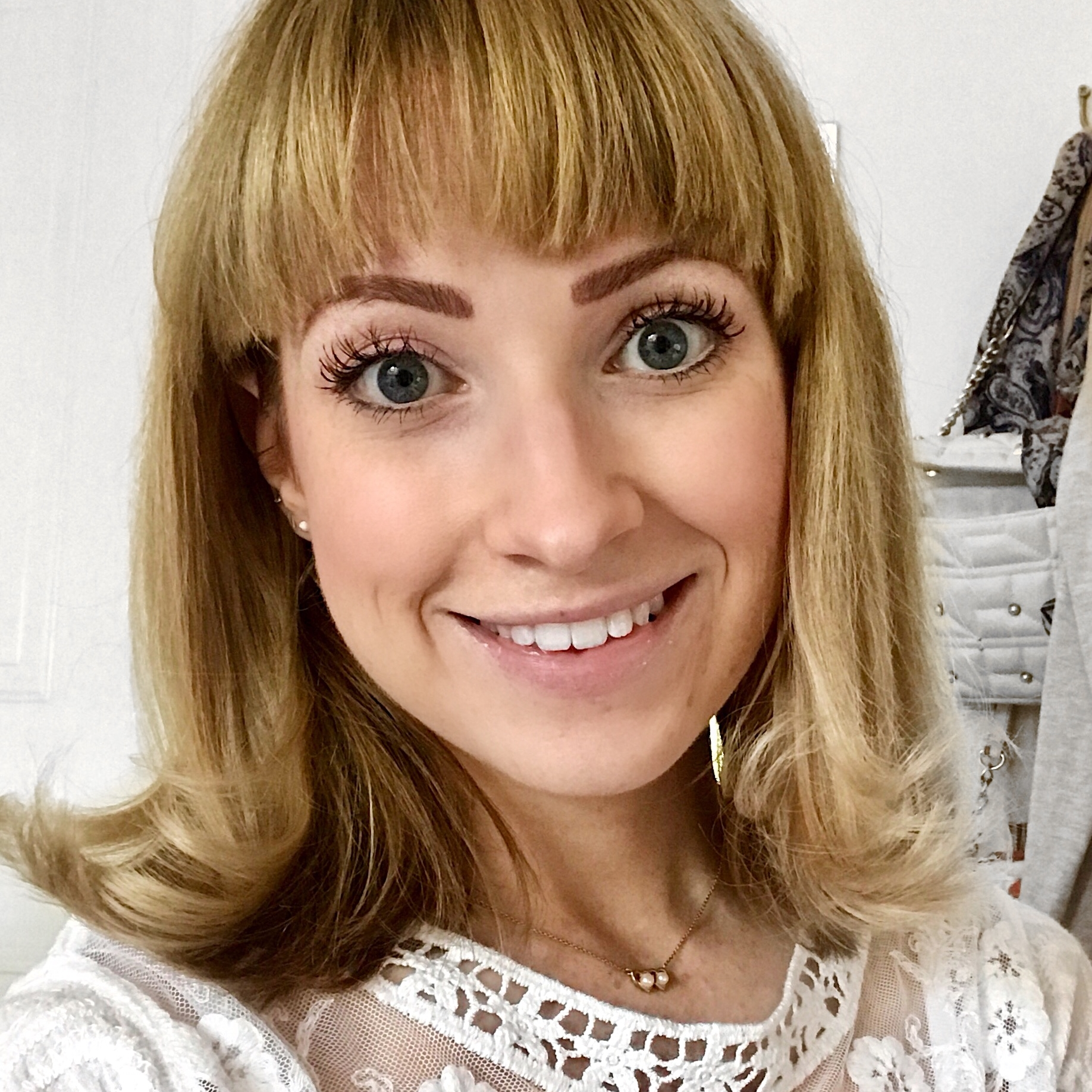"""Ella Ryder - Lifestyle YouTuber & Wellness Blogger""""Kelly really is a master at the mindset work. I'm so glad I signed up to the course because I resonated with her energy and way of speaking. I love the personal stories Kelly gives to back up her teachings, it makes it so relatable. If you're like me and are someone who likes to have implementable steps on how to start moving forward and changing your life then this is the course for you. Get ready to live your best life!"""""""