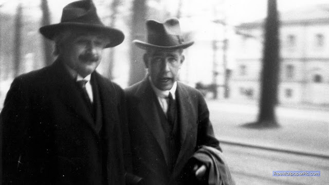 Albert Einstein and Neils Bohr (1930)