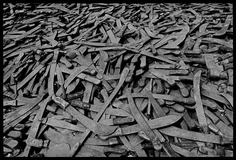 Confiscated Machetes at the Rwanda Border.  Photo: James Nachtwey, 2014
