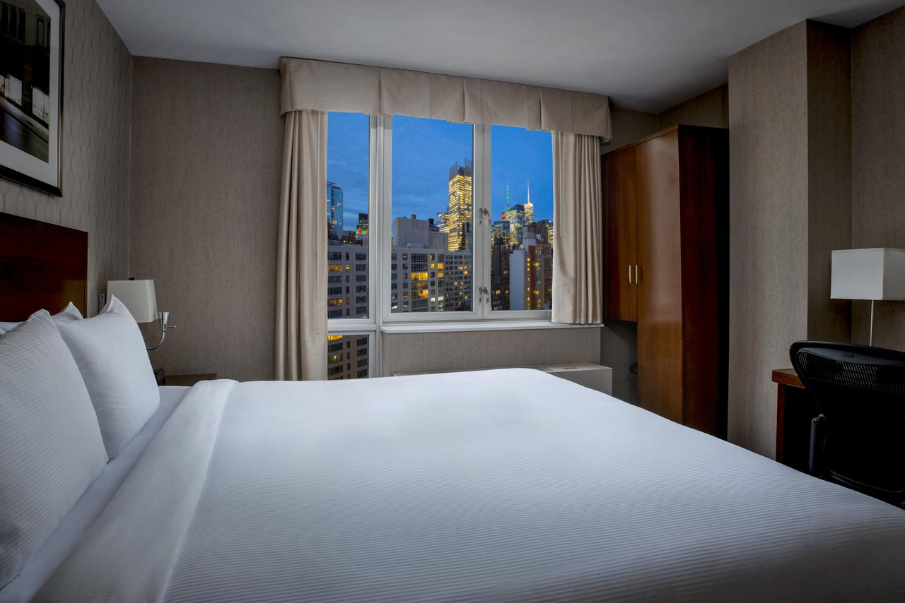 DoubleTree by Hilton New York Times Square South - Free WiFi, Family Rooms, Fitness Center, Restaurant, Pet Friendly