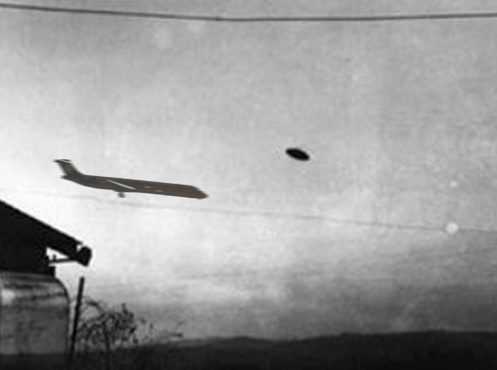 falling plane .jpg