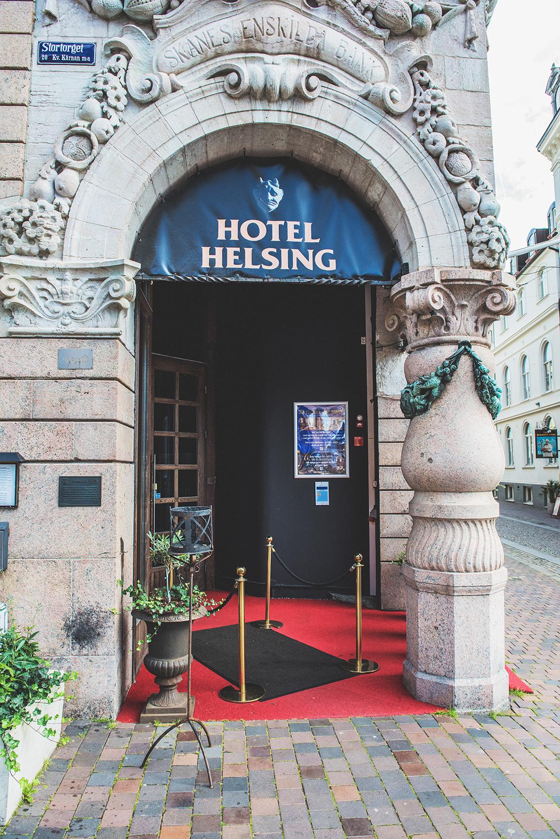 15082017-DSC_6647 Helsing entre colse up.jpg
