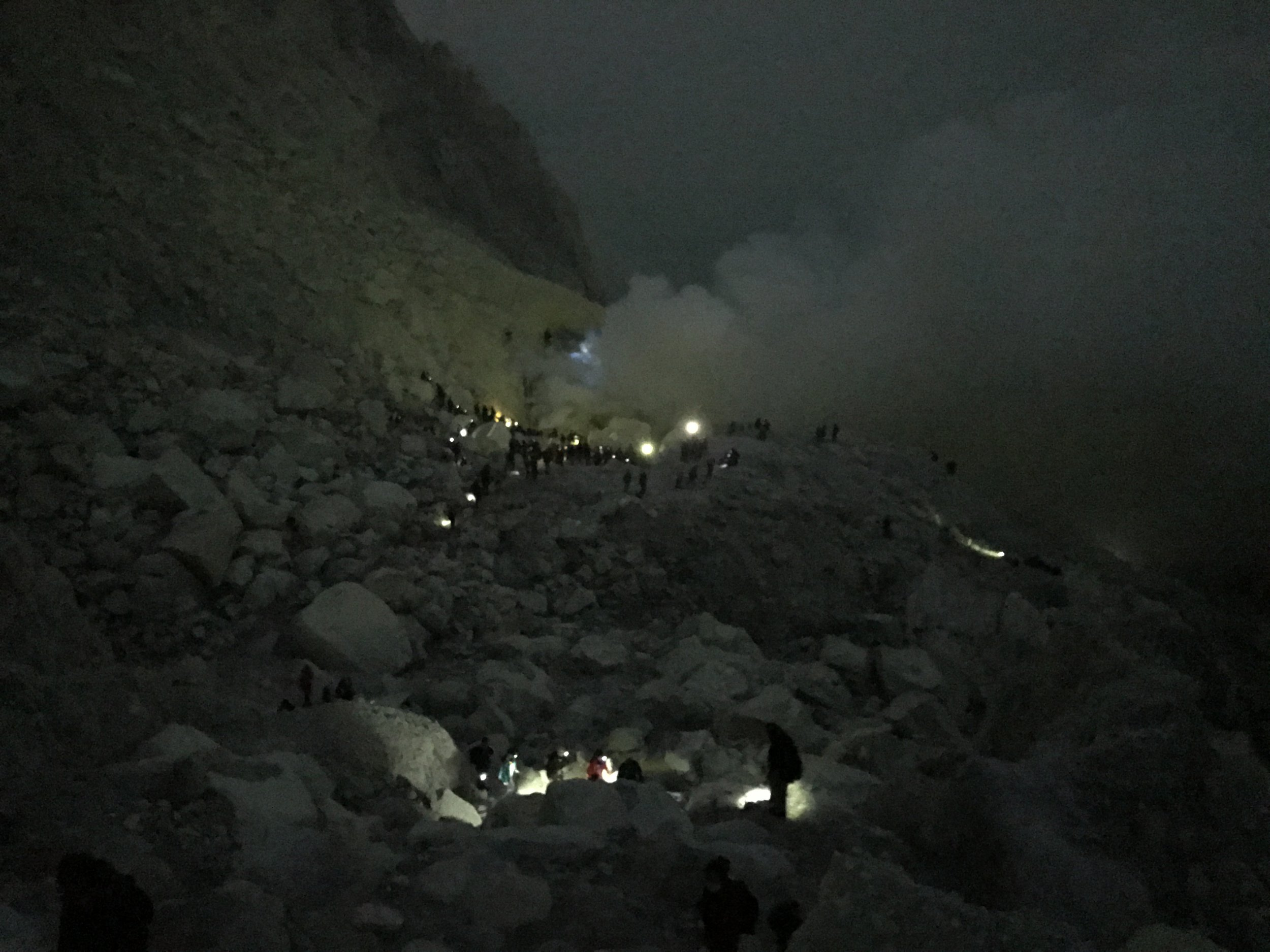 A view of the pathway down into the crater