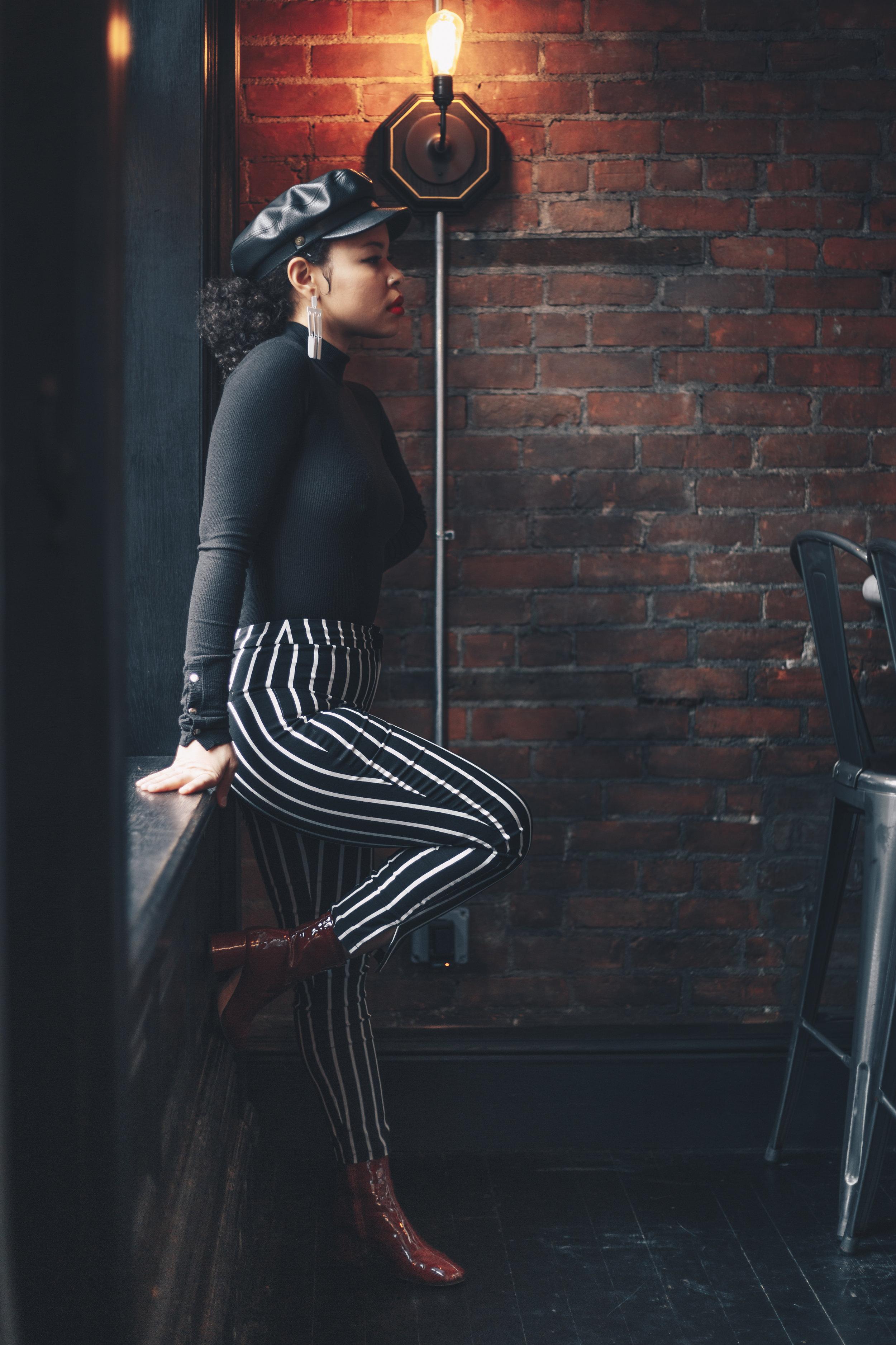 BodySuit and booties: Zara/ Pants: Forever 21/ Earrings: Asos/ Hat: Brixton