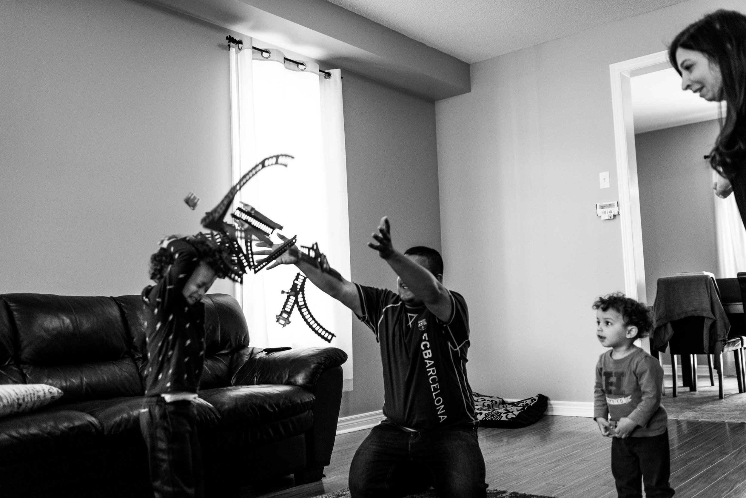 family documentary photography brampton -120918vm.jpg