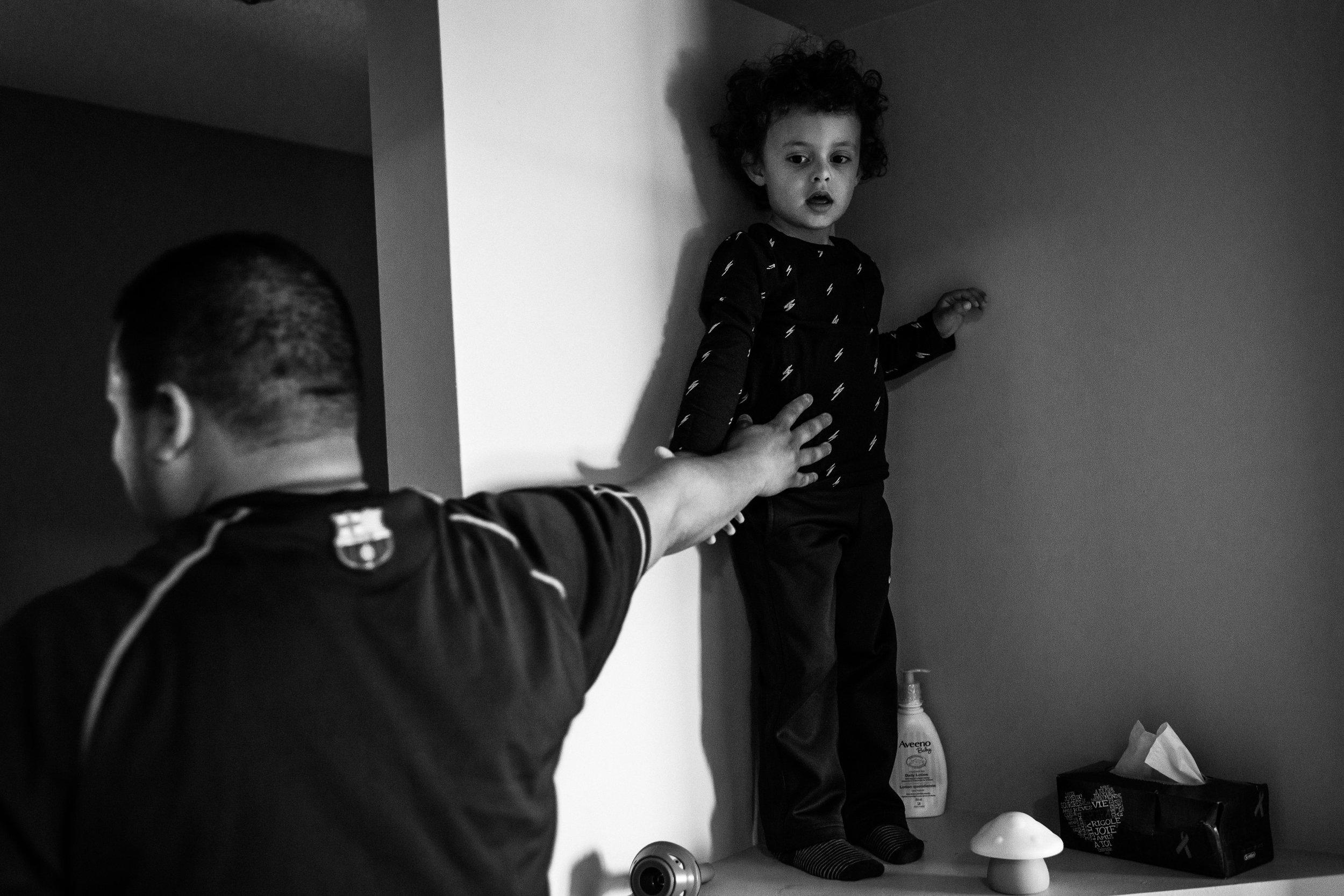 family documentary photography brampton -122807vm.jpg